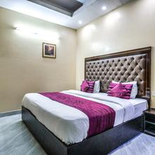 Oyo 2807 Hotel Crosswinds Residency in Ghaziabad