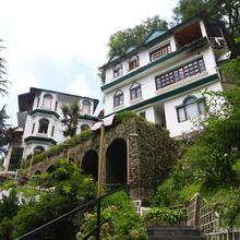 Oyo 2830 Lall Ji Tourist Resort in Khajjiar