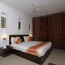 OYO 301 Hotel Mulberry Retreat in Dhauj