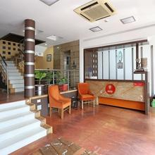 Oyo 3063 Crystal Residency in Hatia