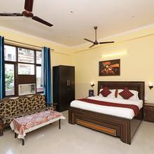Oyo 311 City Stay Hotel in Ghaziabad