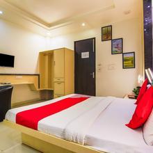 OYO 319 Rk Residency in Dadri