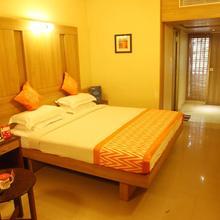OYO 3216 Hotel A P in Madukarai