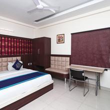 Oyo 3233 Hotel Royal Galaxy in Kanpur