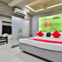 OYO 3238 Daksh Hotel Deluxe in Bherala
