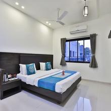 OYO 3243 Hotel Aditya Gir in Bherala