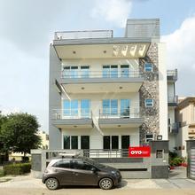 Oyo 325 Hotel Prakash Habitat in Bhundsi