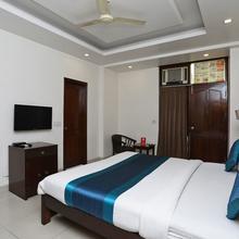 Oyo 326 The Primero Hotel in Samalkha