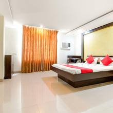 Oyo 3336 Hotel Mantri Residency in Hatia