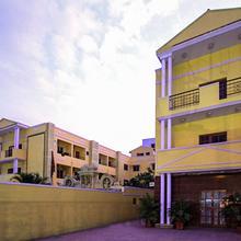 Oyo 3722 Hotel Stayeasy Majestic in Bengaluru