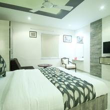 Oyo 3788 Sadbhav Hotel in Ahmedabad