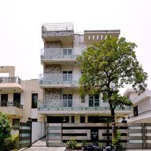 Capital O 380 Hotel Atithee Residency in Dadri