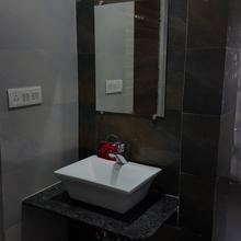Oyo 4085 Hotel Riviera Executive in Aurangabad