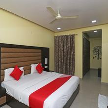 OYO 4139 Madhuri Palace in Lucknow