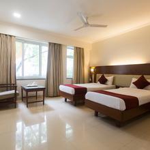 Oyo 428 Hotel Sudarshan in Phursungi