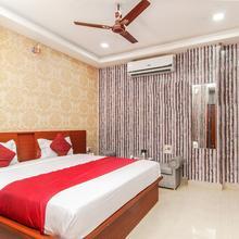 OYO 4308 Hotel Zaarang Inn in Dewa