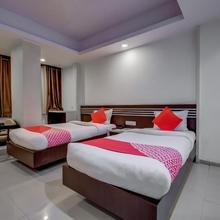 OYO 4312 Hotel Park Street in Hatia