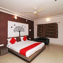 OYO 4398 Hotel Rajat Grand in Varanasi