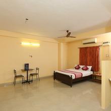 OYO 4418 Royal Mass Club in Chennai