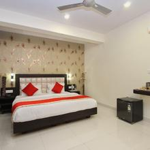 Oyo 4429 Vee Suites in Devanhalli