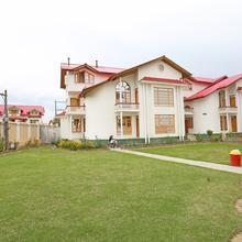 Oyo 4487 Hotel Al Azra in Srinagar