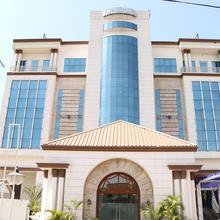 OYO 4575 Hotel Mirage in Mullanpur Dakha