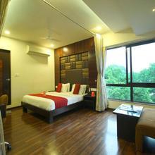 Oyo 4701 Hotel Furaat Inn in Sarkhej