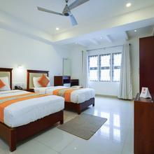 Oyo 5077 Queens Hotel in Kozhikode