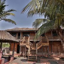 Oyo 5086 Oak House in Bhimunipatnam