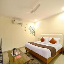 Oyo 5190 Hotel Golden Inn in Chandigarh