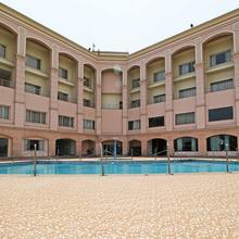 Oyo 5214 Ark Hotel in Kichha