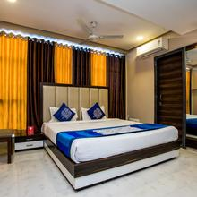 OYO 5253 Hotel Orange Lily in Indore
