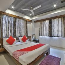 Oyo 5330 Hotel Green Apple in Gandhinagar