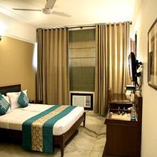 OYO 5333 Hotel Sheronz in Chandigarh
