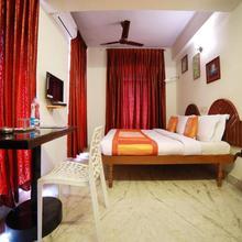OYO 5344 Hotel Oasis in Nedumangad