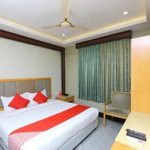 OYO 5446 Hotel Maharajay in Pattabiram