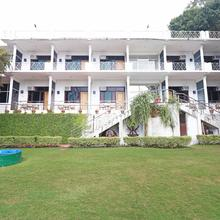 Oyo 5589 Pine Oak Resort in Bhimtal