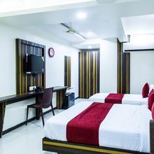 OYO 5729 Hotel Kochi Caprice in Vypin