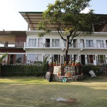 OYO 5776 Near Mussoorie Road in Dhanaulti