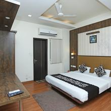 Oyo 5777 The President Hotel in Kanpur