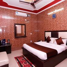 OYO 5851 Mehfil Hotel in Raiwala