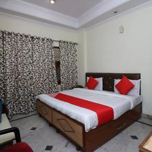 Oyo 6073 Hotel K M B in Mathura