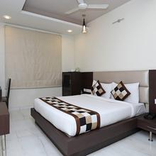 OYO 621 Hotel Resolute in Adarshnagar