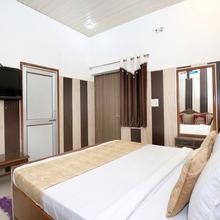 OYO 6370 Hotel Golden Woods in Amritsar