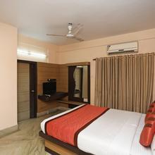 Oyo 6606 Seacom Inn Purbadiganta in Champahati