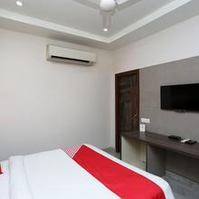 OYO 6688 Hotel Rp Grand Titanium in Dewa