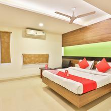 Oyo 6752 Hotel Apollo in Sarkhej