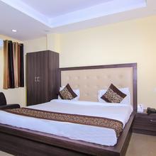 OYO 6793 Hotel Cz in Lucknow