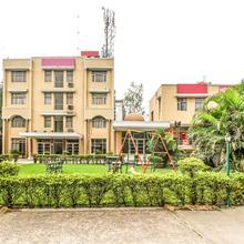 OYO 6977 Hotel Clarks in Nalagarh