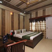 Oyo 7028 Hotel Krishna And Restaurant in Kangra